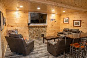 The Lodge at Harble Ridge - Basement lounge area