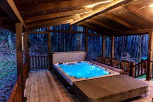 The Lodge at Harble Ridge - Hot Tub