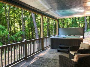 Lower level - hot tub